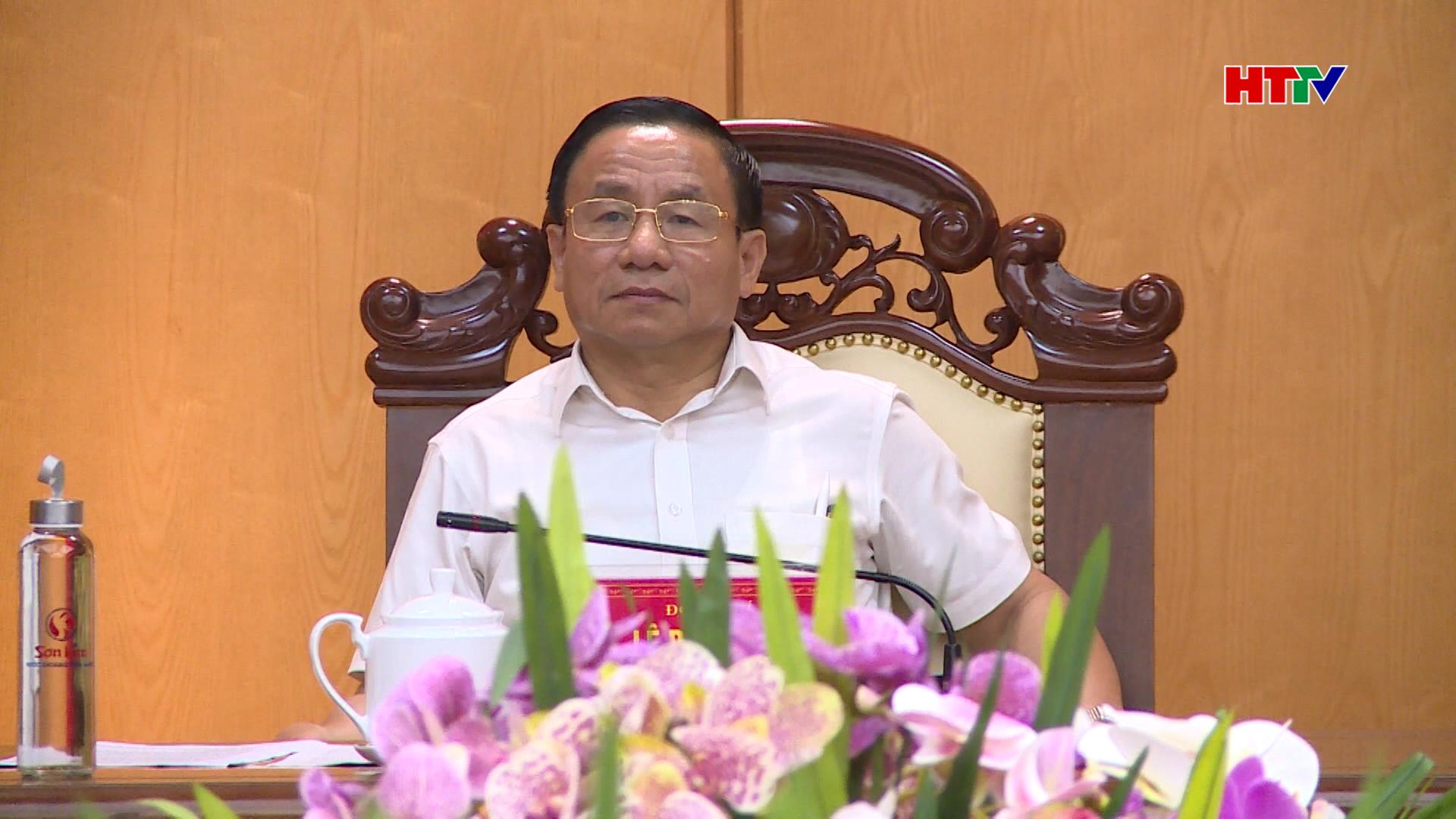 Đ/c Lê Đình Sơn-Bí thư Tỉnh ủy, Trưởng Ban chỉ đạo chủ trì cuộc họp
